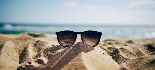 sungalsses-in-sand-sun